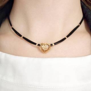 Colar de couro feminino Sandra pingente coração camurça black