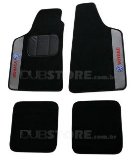 Jogo de Tapetes Automotivo em Carpet para Volkswagen Voyage (5° Geração) | DUB Store