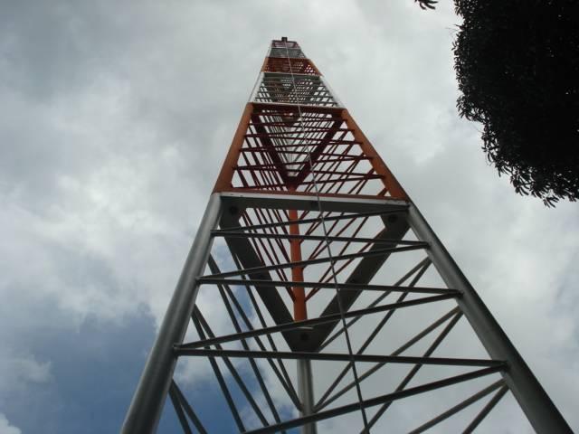 Torre Autoportante Triangular Modular - AEV 0,5m²
