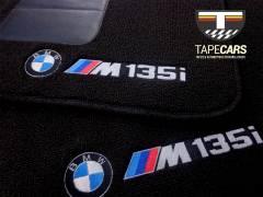 Tapete Automotivo BMW 135i  em Carpet Linha Luxo